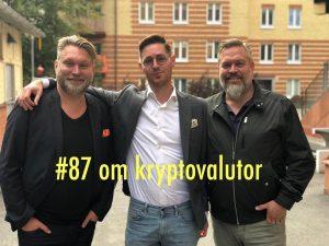 foto: charlie och mathias På riktigt podd Gäst Totte Löfström